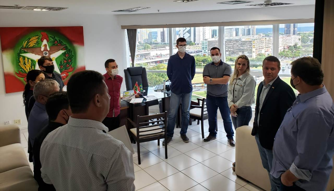 REPRESENTANTES DA SAN E AMESC SE REUNEM EM BRASÍLIA