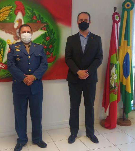 COMANDANTE DO CORPO DE BOMBEIROS DE SANTA CATARINA VISITA À SAN NESTA SEXTA-FEIRA